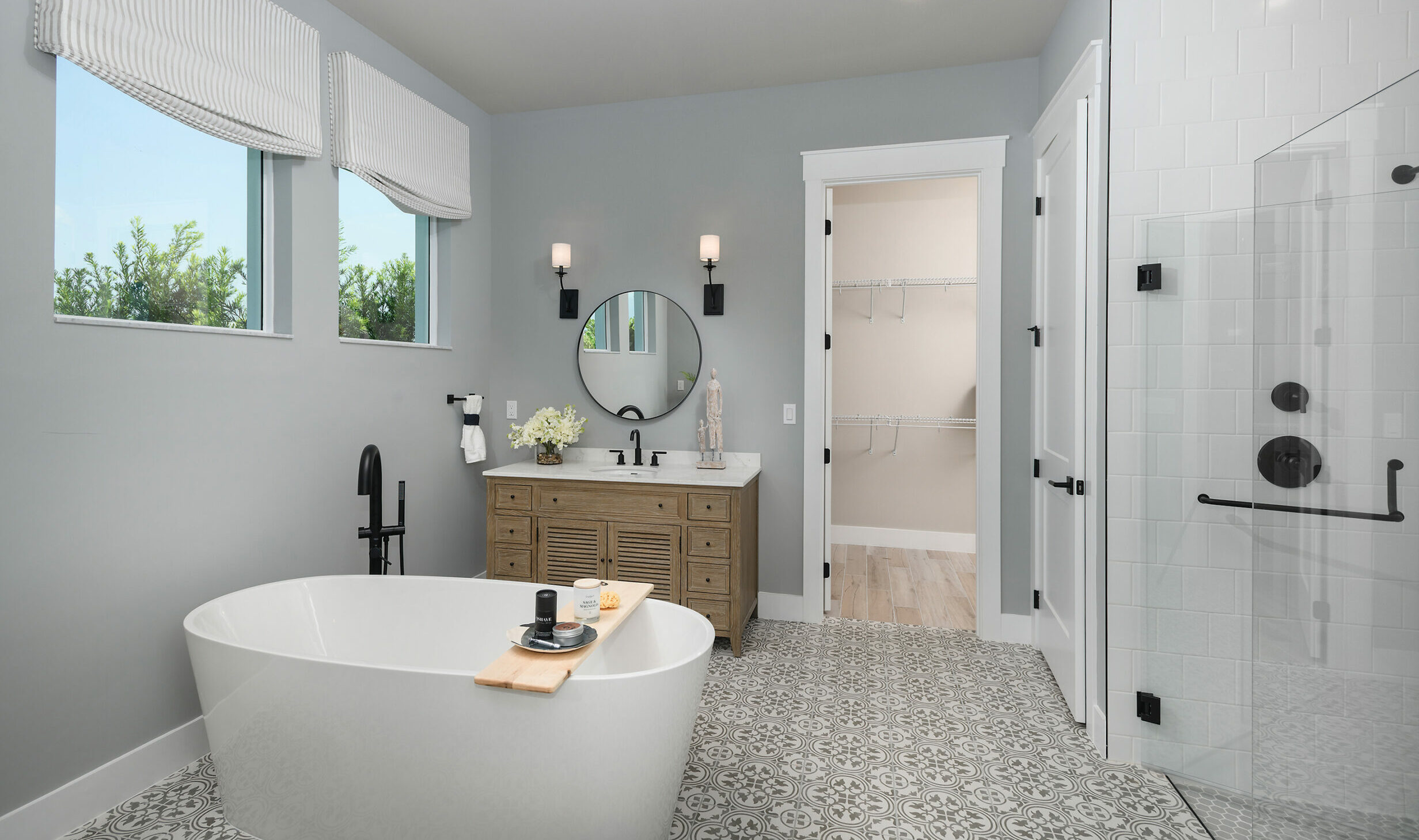 Spa bathroom_owners suite_model home_Florida